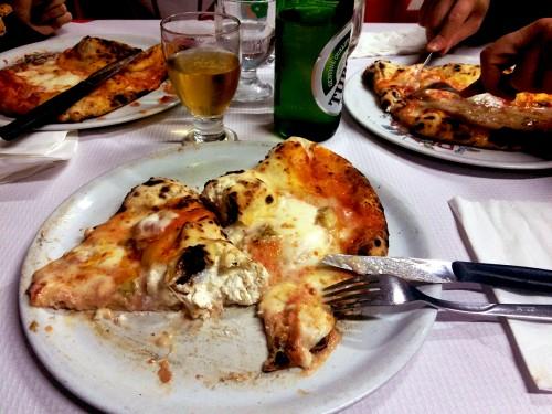 tre pizze al prezzo di una
